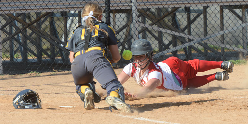 Softball sweeps Buena Vista, sends seniors out in style