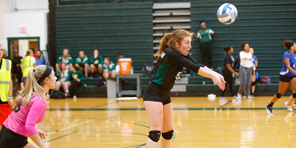 Women's Volleyball Finishes 2-2 at the SJC Autumn Invitational