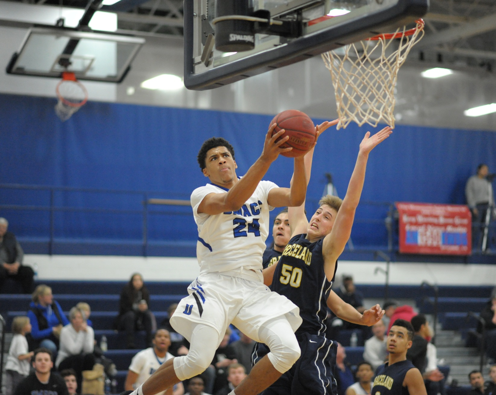 DMACC Men Routs Graceland JV to Improve to 11-3