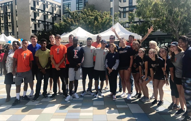 Titan Athletics Helps With Student-Housing Move-In Day