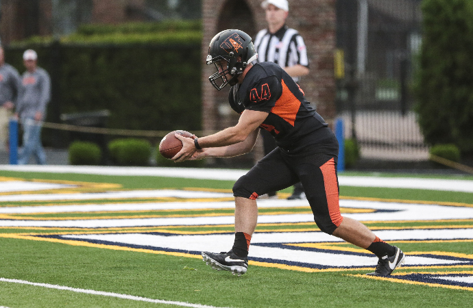 Findlay Hosts Hillsdale on Homecoming