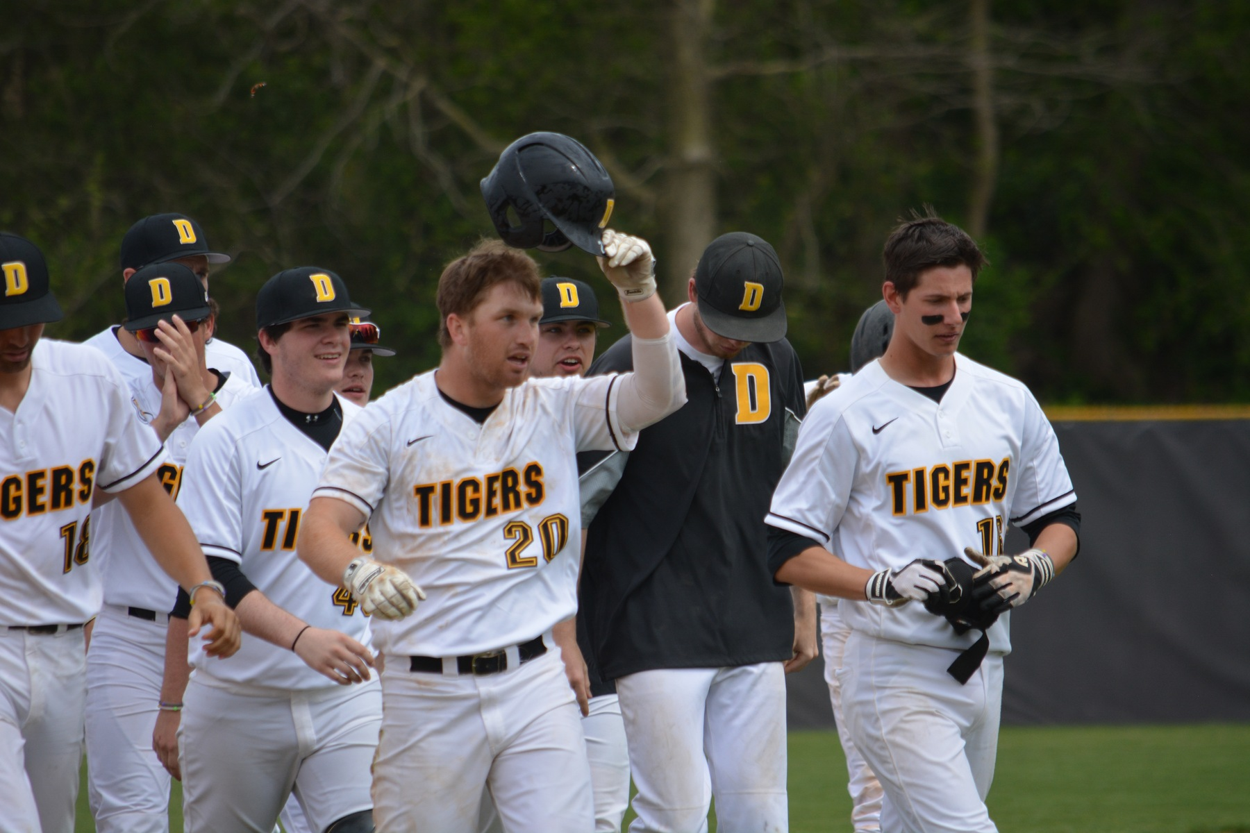Six Home Runs Pace Tigers to Two NCAC Wins Over 20th-Ranked Denison