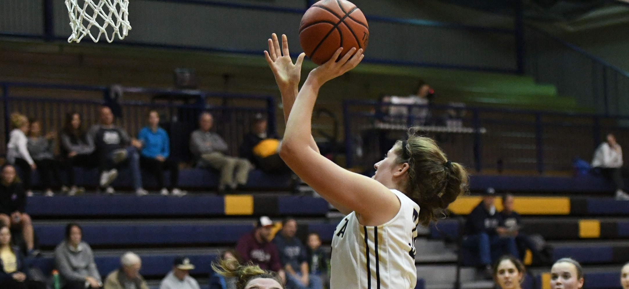 Gracie Stauffer had her fifth double double of the season as she tallied 18 points and 14 rebounds to go along with three blocks and two steals.