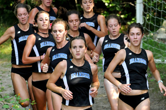 Women's x-country takes 20th overall, 6th among D3 at Open New Englands