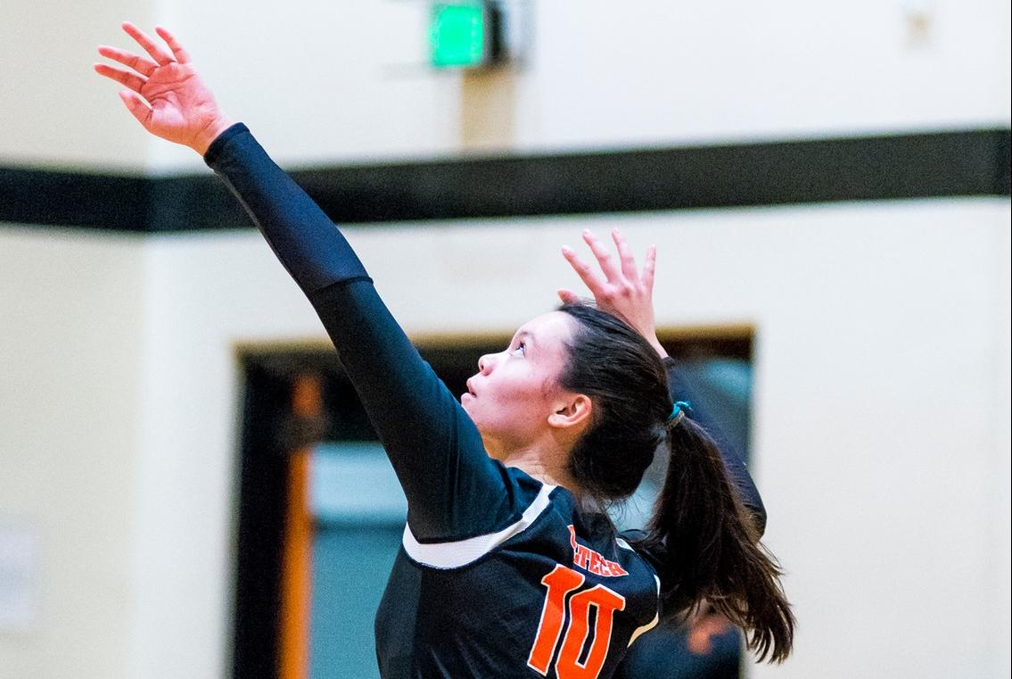 Veterans Help Volleyball to Competitive Match at Cal Lutheran