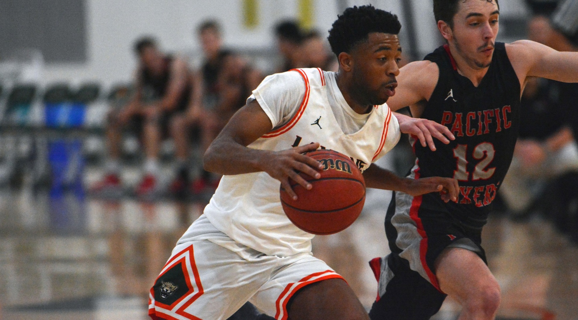 Men's Basketball falls to Whittier on the road