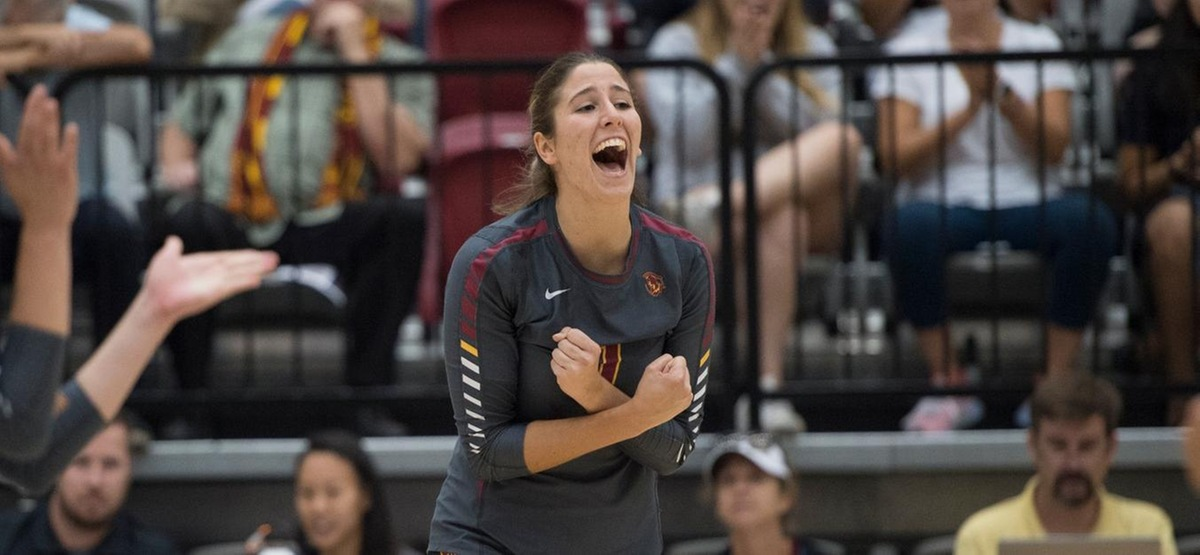 CMS Volleyball Takes Another Five-Setter, Edges La Verne 3-2 in SCIAC Opener