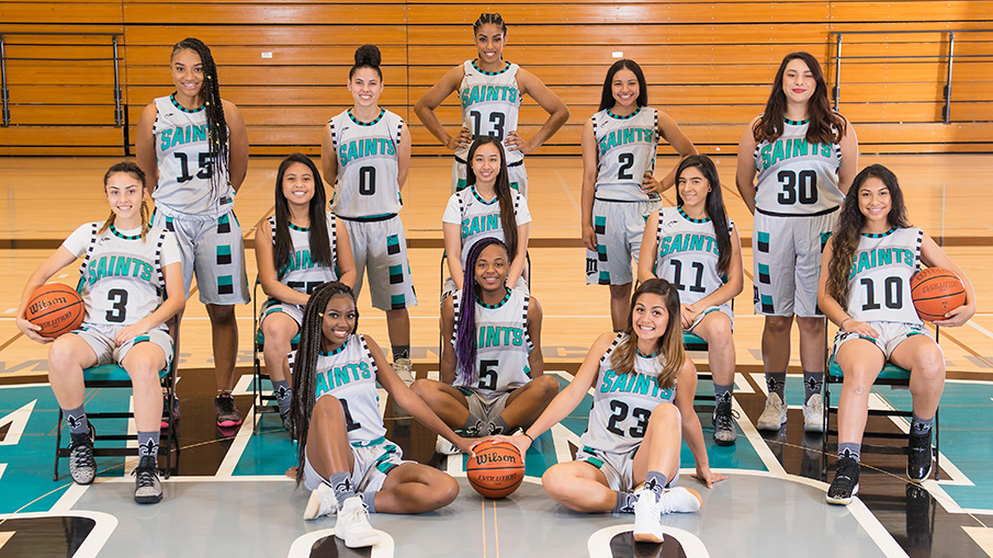 2017-18 women's basketball team