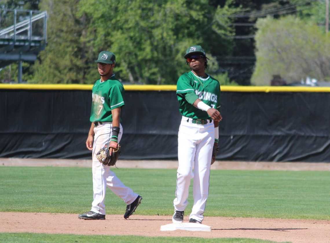 Shortstop Jordan Williams (left) and second baseman Isaq Lewis (right) in a game against San Joaquin Delta College in Pleasant Hill on April 27, 2018. | Photo by Aaron Tolentino
