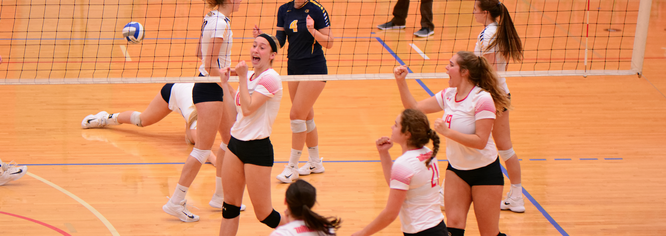 #3 Wittenberg Volleyball Advances to Regional Championship Match