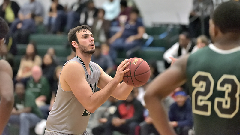 Men's Basketball Fall to USC Salkehatchie In Region X Tournament, 83-55