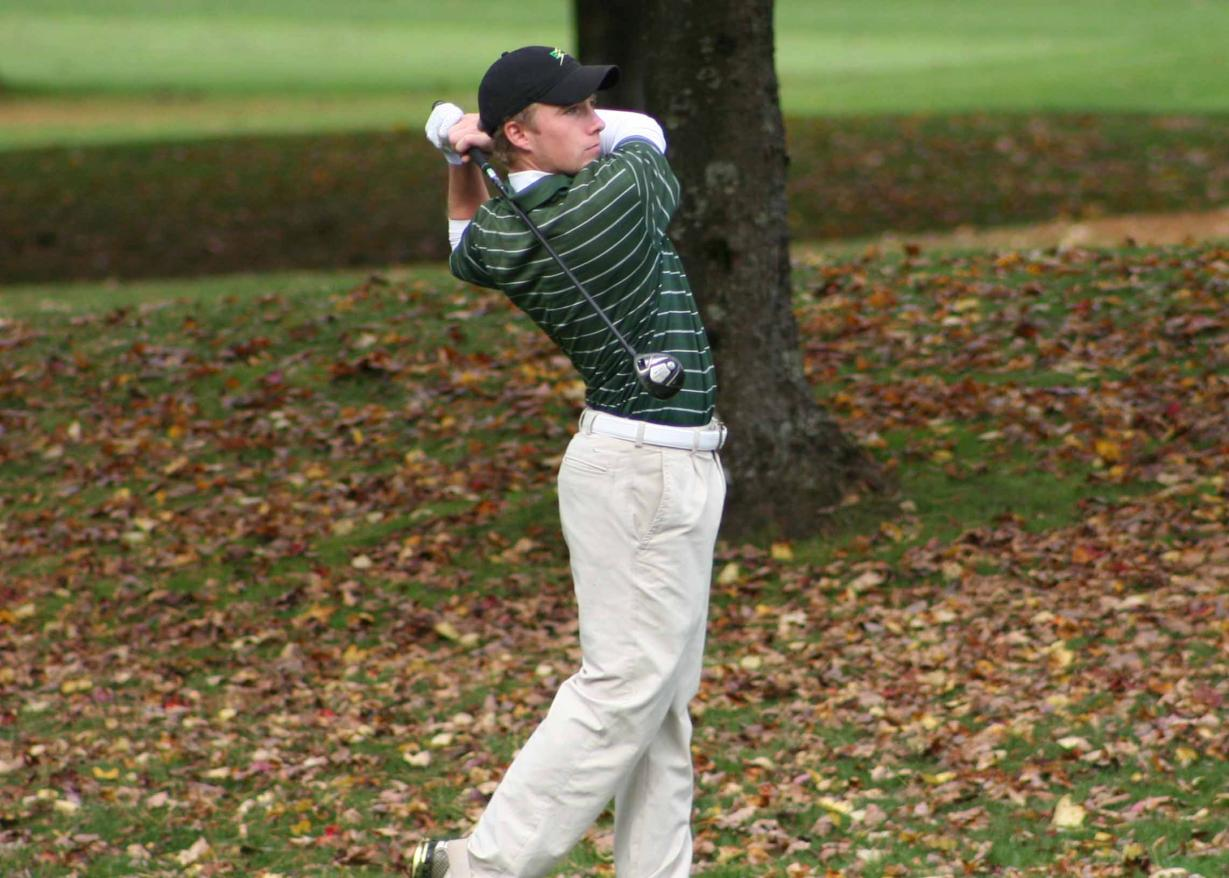 Men's Golf Places Third at Western New England University Invitational