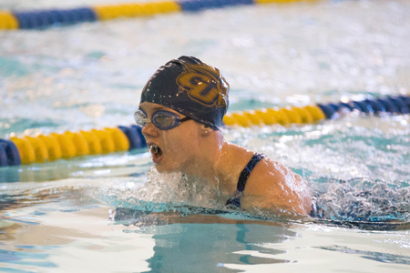 Women's team earn first win of season in double dual meet at Hollins University