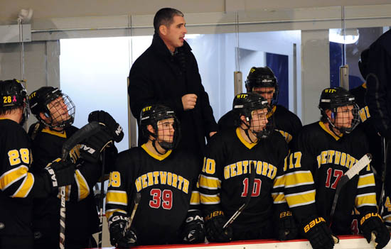 Hockey Falls to Wesleyan, 3-1