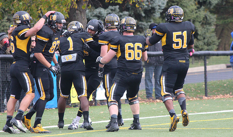 Football Paces GLIAC With 17 All-Conference Honorees