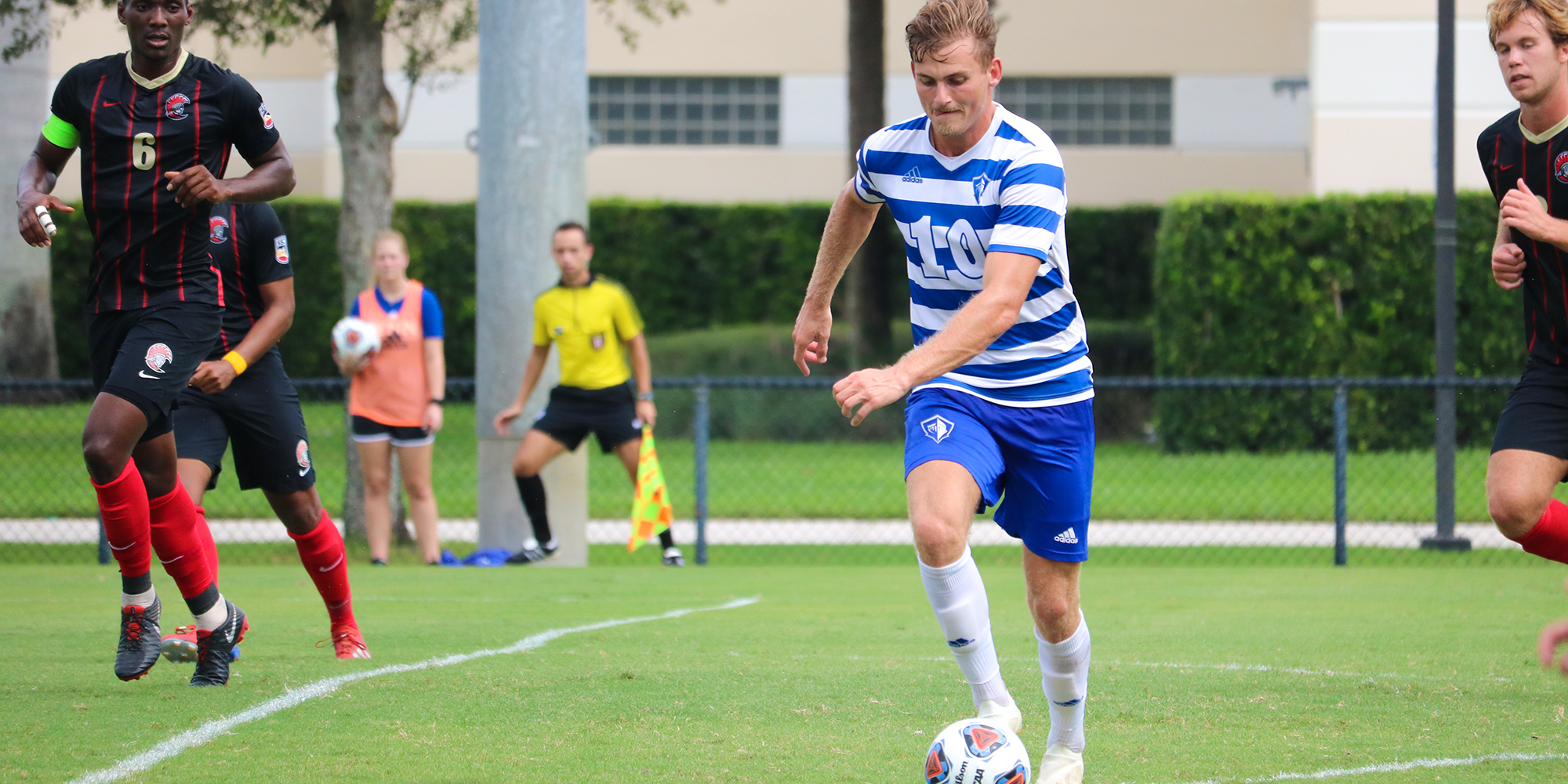 Sandmann Puts Tampa to Bed in Men's Soccer Victory