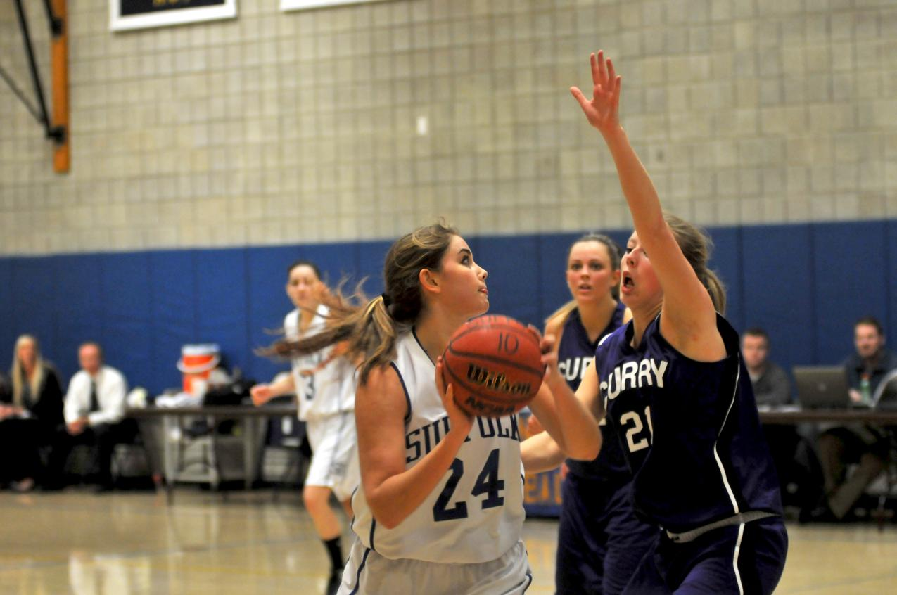 Endicott Halts Women's Basketball Five-Game Win Streak