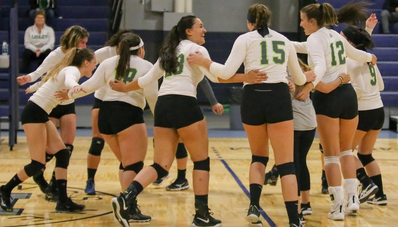 Lynx Volleyball Drops Season Opener, 3-0
