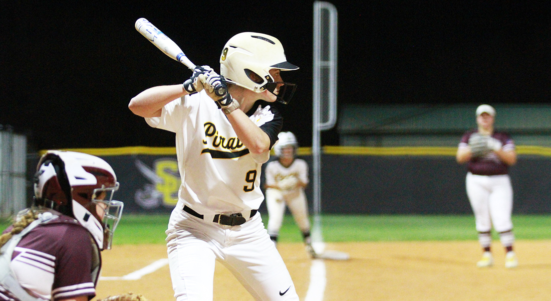 Softball Sweeps Doubleheader Against Schreiner