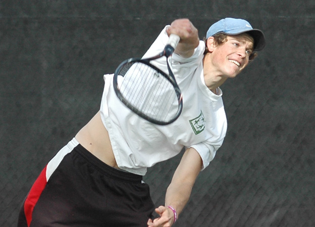 Men's Tennis opens season with decisive victory