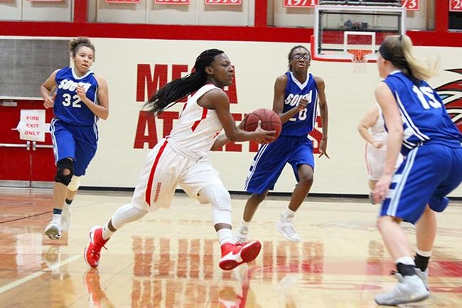 Deja Dagons dished out six assists in Mesa's win over South Mountain Wednesday night. (photo by Aaron Webster)