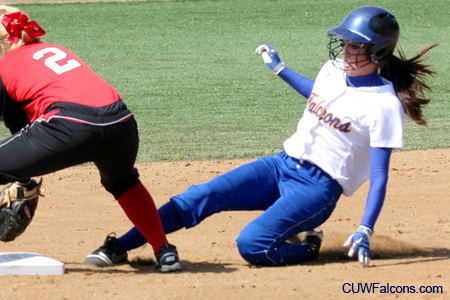 Landherr homers, Softball sweeps MSOE
