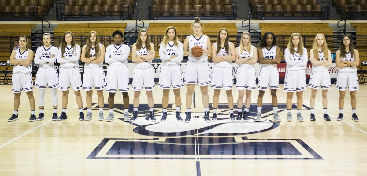 The 2017-18 Yale Women's Basketball Team. (photo by Steve Musco)