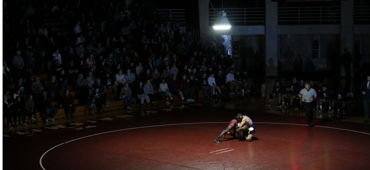 No. 13 Roger Williams Rallies Past Wrestling, 20-14