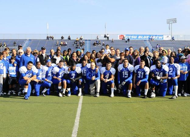 Football Drops 28-25 Decision on Senior Day