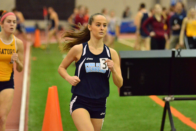Women's Track and Field Compete at Toy Drive Invite