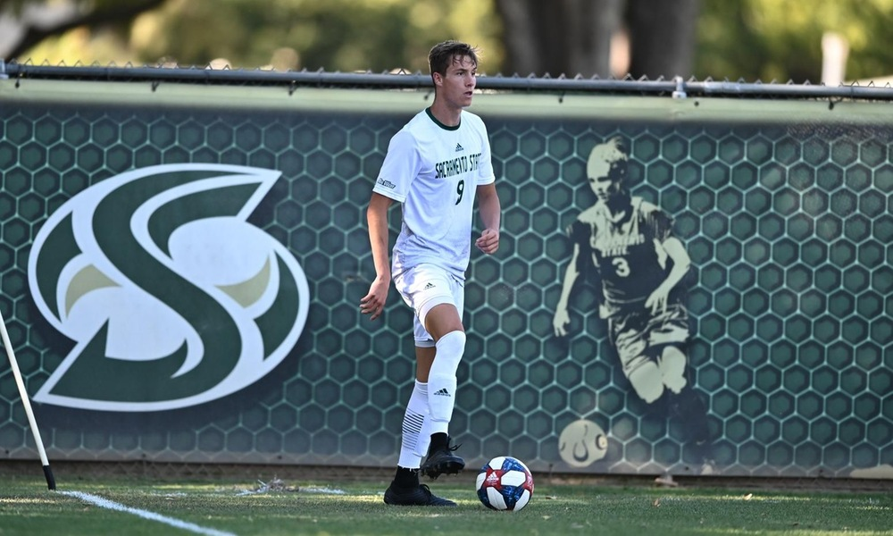 MEN'S SOCCER FALLS ON THE ROAD AT #6 SAINT MARY'S