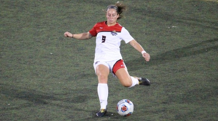 Women's Soccer Drops Conference-Opener at Endicott