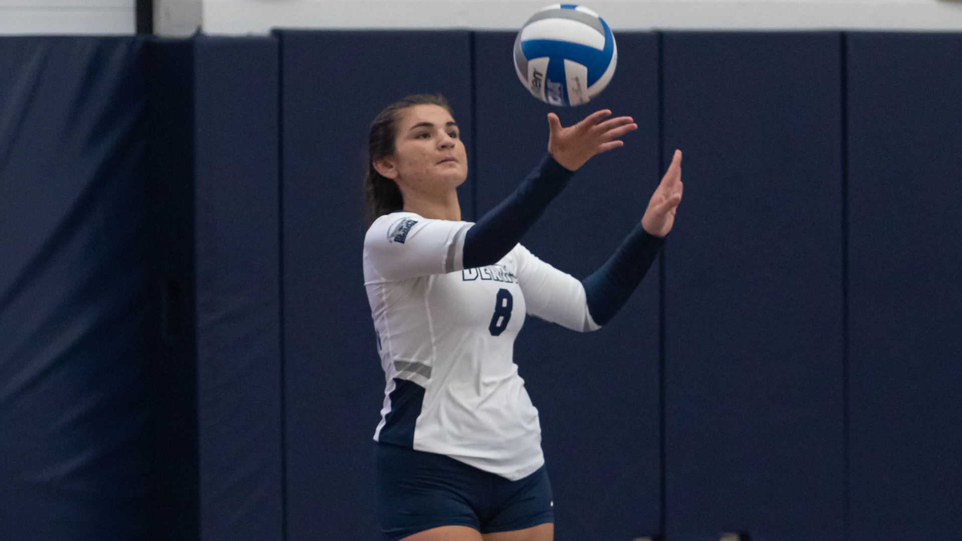 Women's Volleyball Pushes Streak to Four Sweeping Tri-Match with York and Medgar Evers