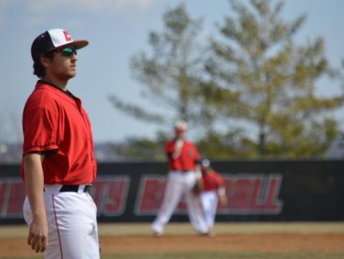Cardinals Fend Off Royals For Second Conference Win