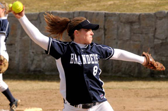 Vaillette no-hitter leads softball to sweep of Framingham State