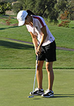 Women's Golf Battles Showers In Pleasanton
