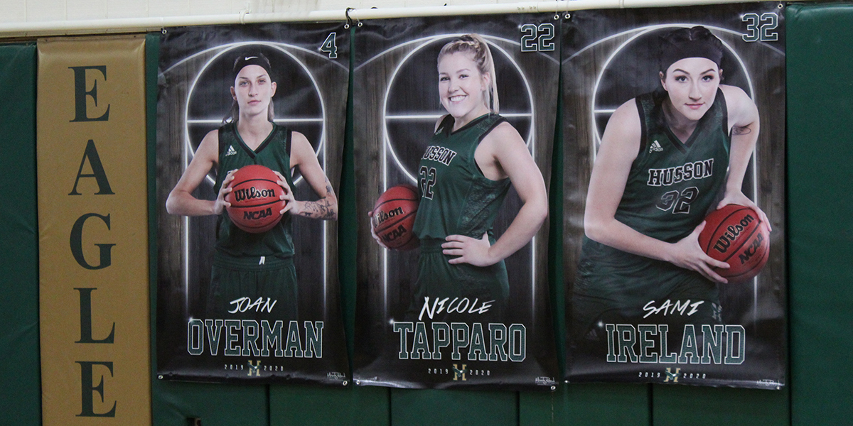 Women's Basketball Takes Down Terriers on Senior Day, 90-53