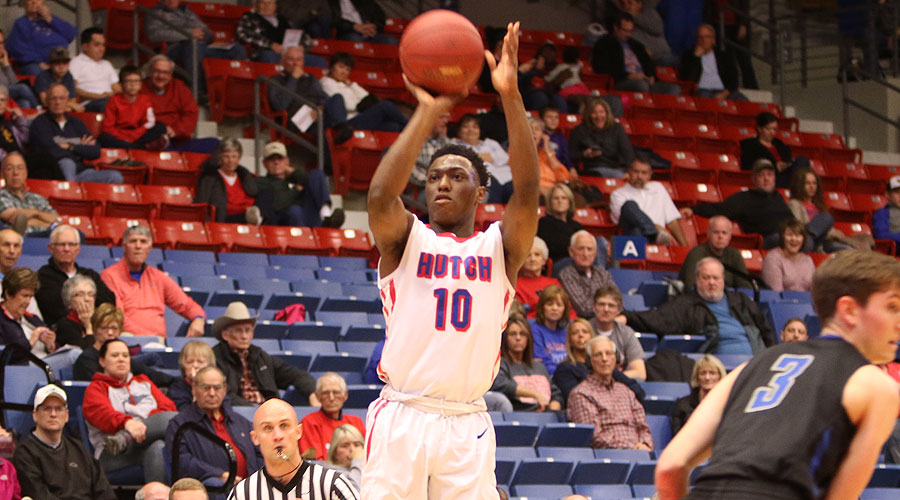 Devonte Bandoo scored the final nine points of the game for the Blue Dragons as No. 6 Hutchinson defeated Barton 81-73 on Saturday at the Sports Arena. (Joel Powers/Blue Dragon Sports Information)