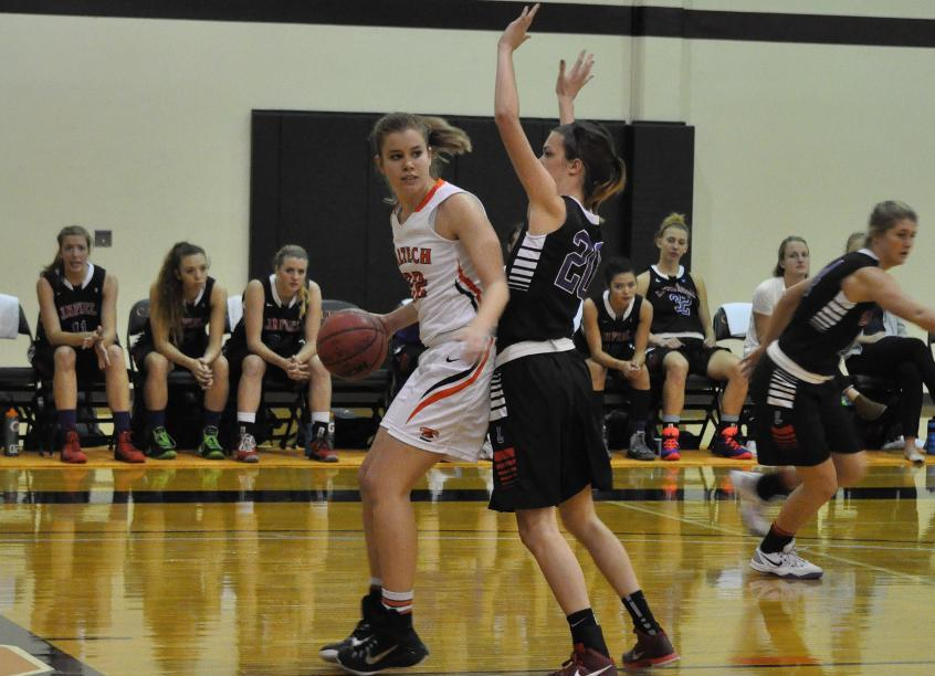 Lewis Double-Doubles as Women's Basketball Hosts Lewis & Clark