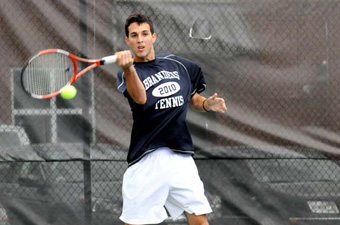 Men's tennis sees three-match win streak snapped by #20 Trinity, 8-1