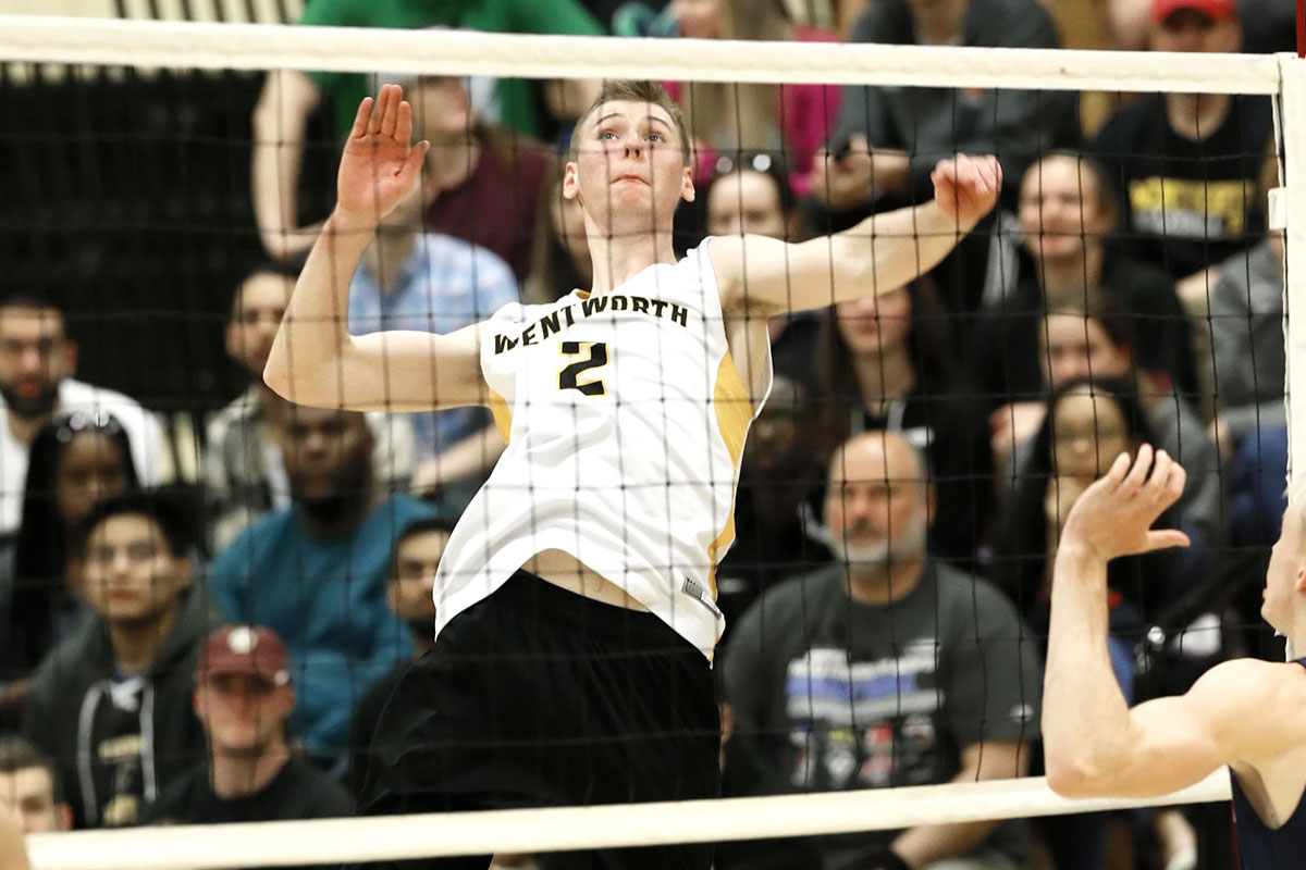 Men's Volleyball Rallies Past Endicott