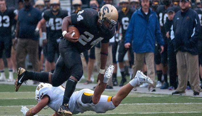 Football Comes up Just Short Against 10th-Ranked Lutes