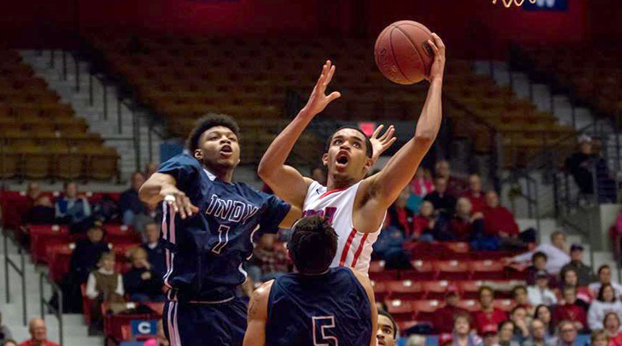 Tiylar Cotton and the Blue Dragon men take on Dodge City on Monday in Dodge City. (Allie Schweizer/Blue Dragon Sports Information)