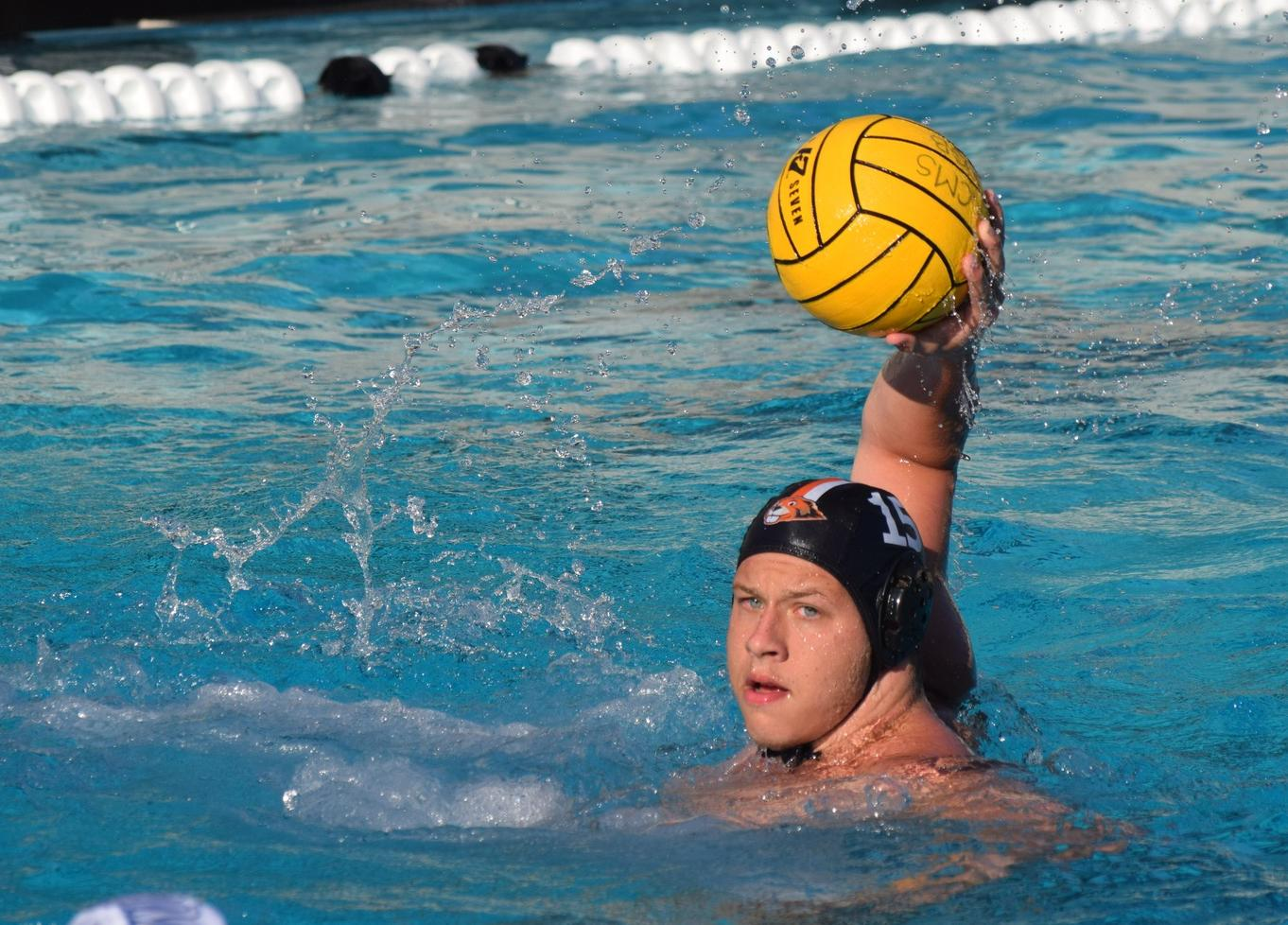 Caltech Takes Down Connecticut College at Gary Troyer Tournament
