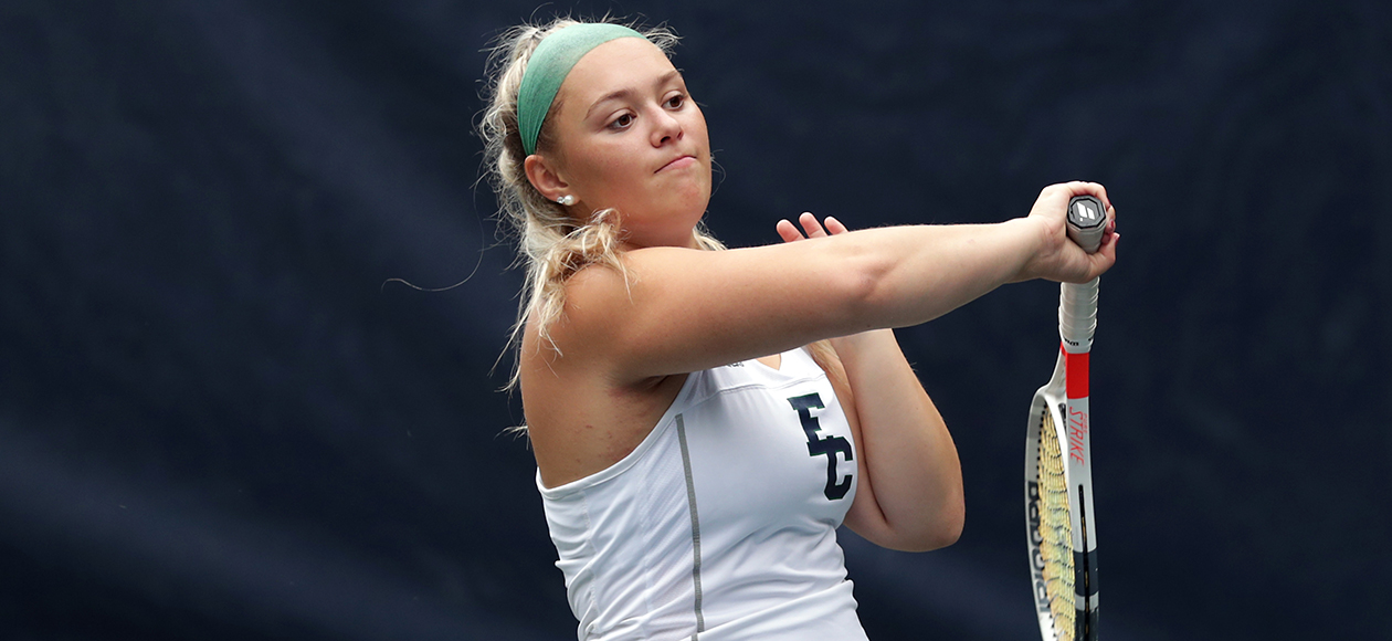 Women's Tennis Downs Simmons, 8-1