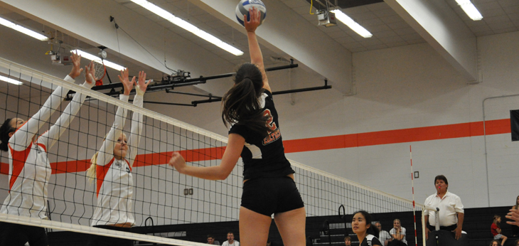 Chapman Holds Down Caltech in Three Set Win