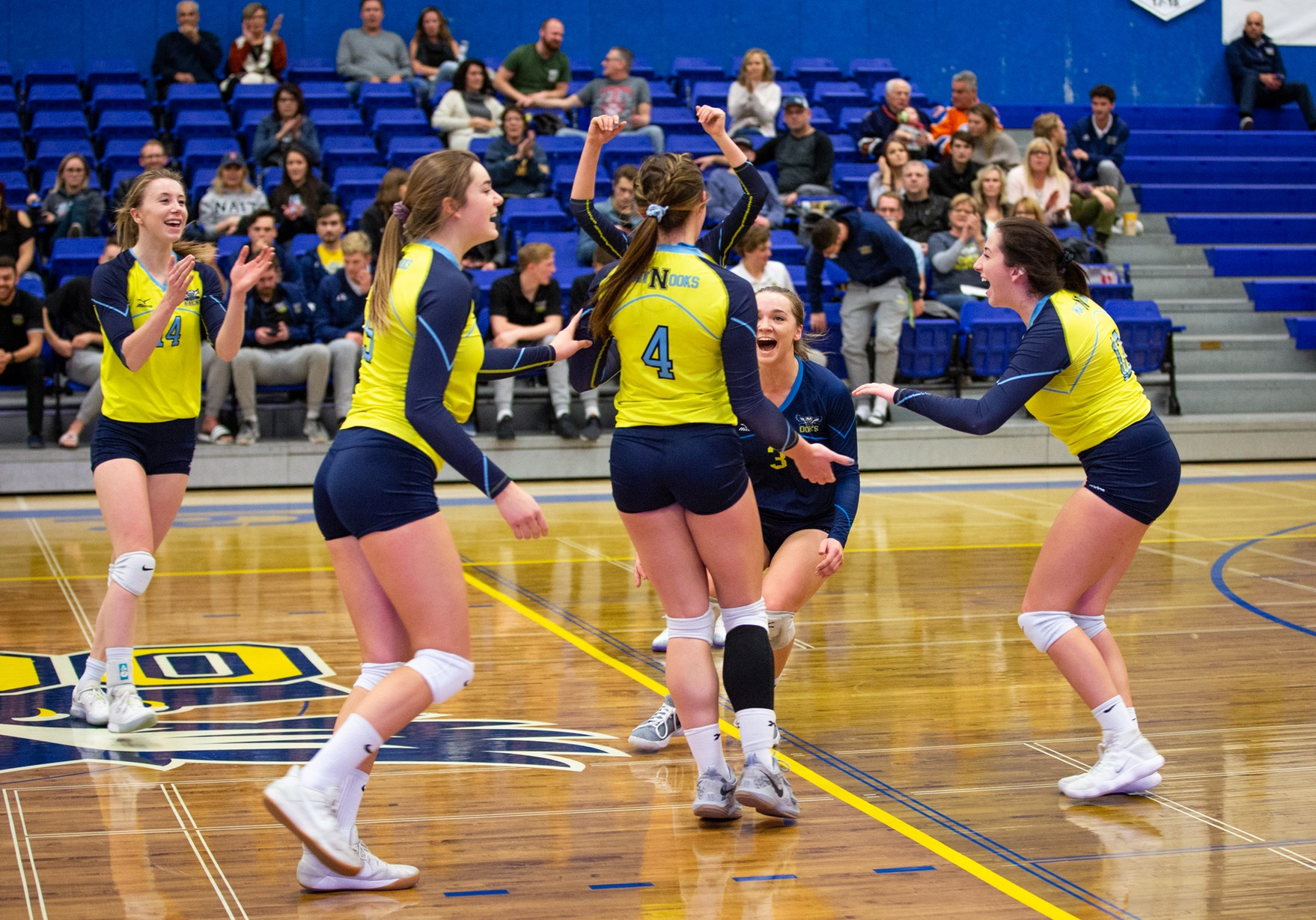 Ooks Ground Thunder In Straight Sets