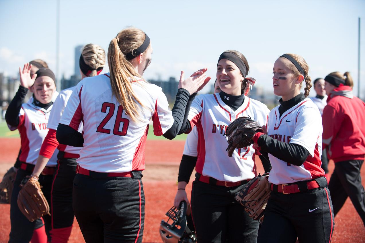 Softball Keep Win Streak Alive; Head Into Weekend Atop the Conference: Part 2