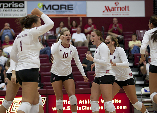 Volleyball Heads to Midwest for Play This Week