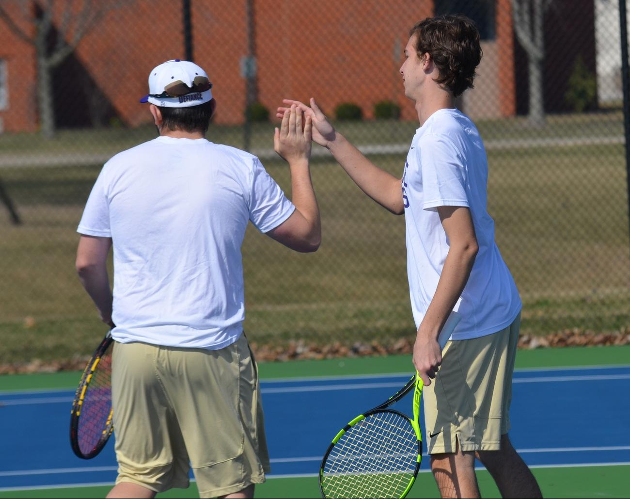 Men's Tennis Battles to Season Ending Victory